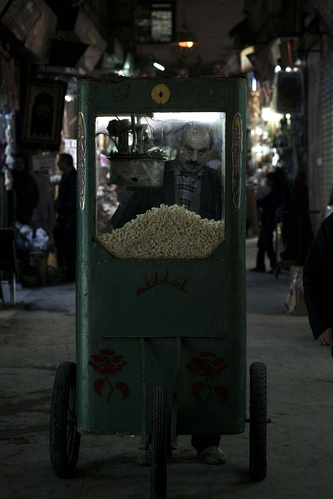 Pop corn seller in the Al-Hamidiya souk (Damascus Old City)